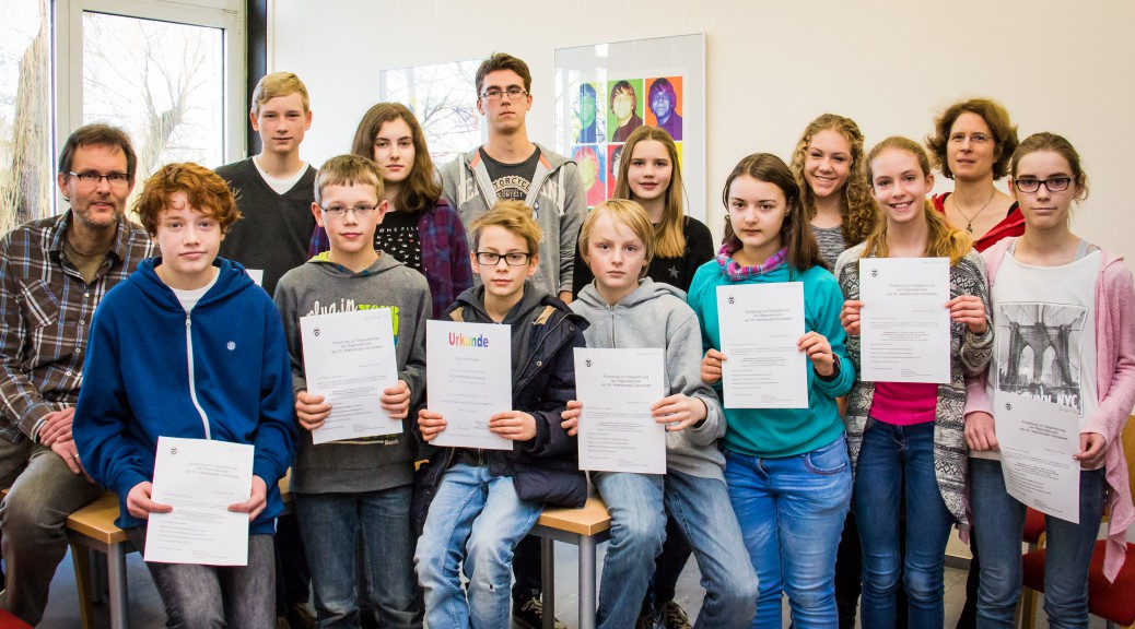 Siegerehrung der Matheolympiade mit Herrn Brunnert und Frau Mose-Kipp